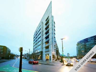 False Creek Concrete Condo for sale: The Montreux 1 Bedroom & Den 620 sq.ft. (Listed 2017-04-23)